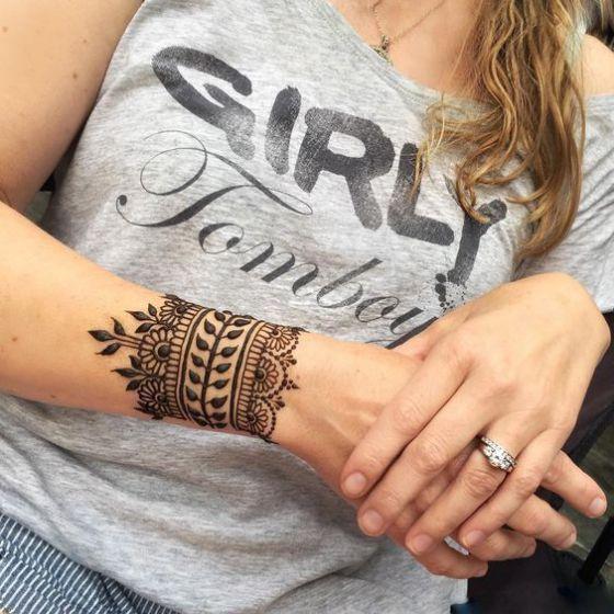 tatuaje estilo brazalete