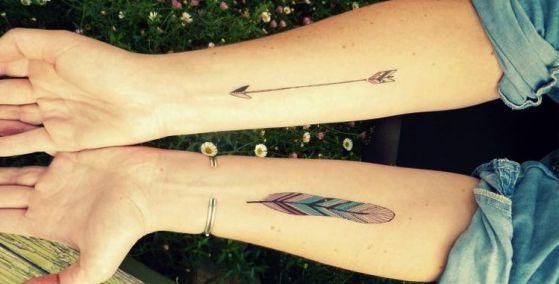 plumas color tattoo