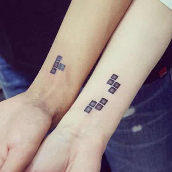 tatuaje parejas estilo gamer