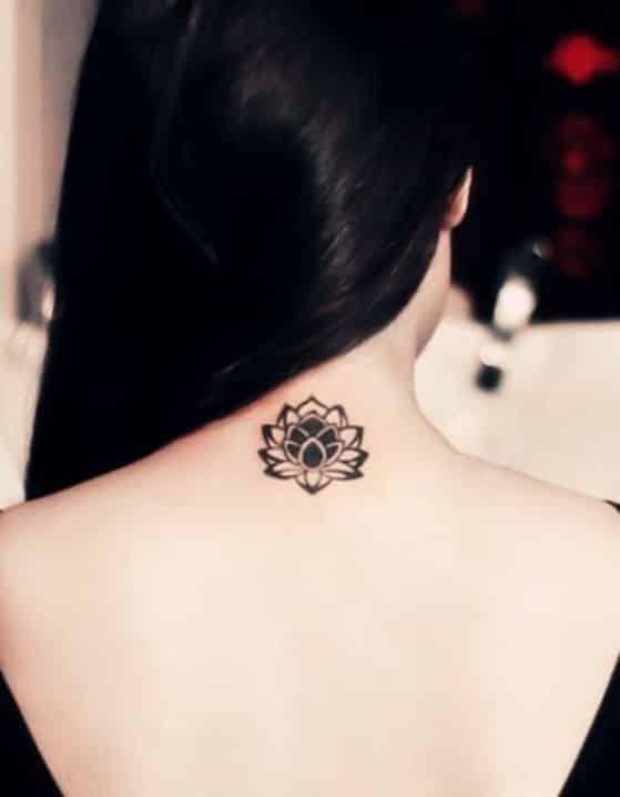 60 Tatuajes en la espalda para mujeres pequeos delicados y ms