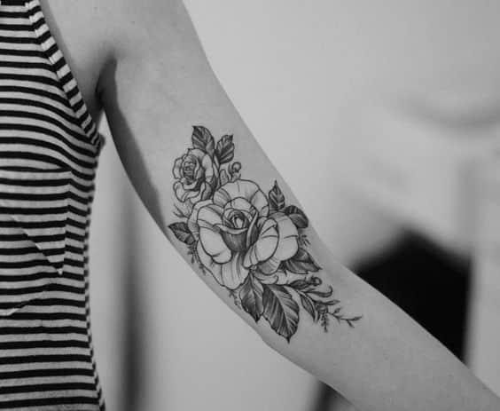 rosas en brazo interno