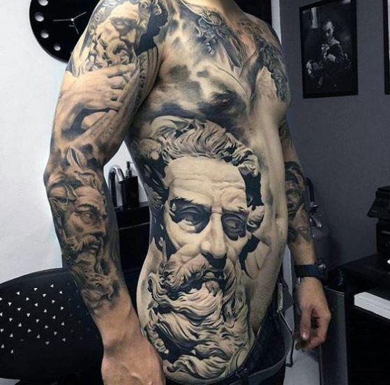 tatuaje costado del cuerpo ecultura