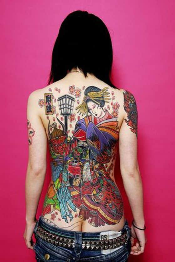 tatuaje espalda completa a color
