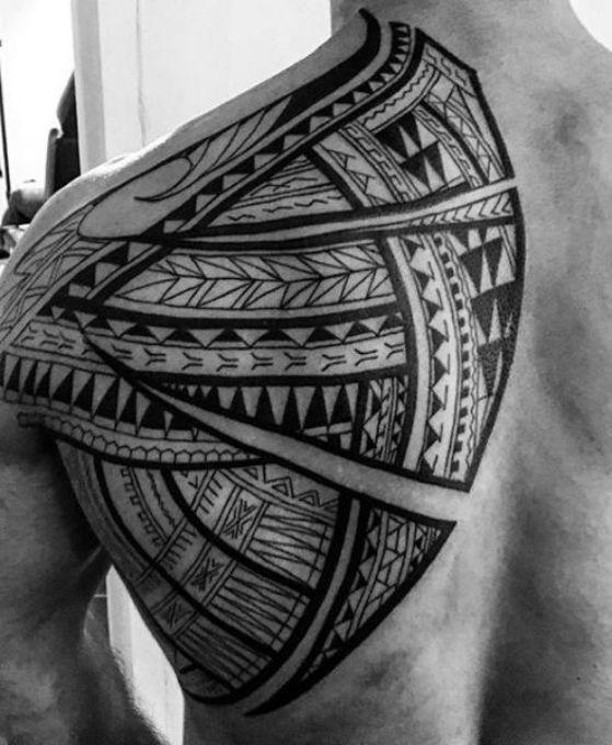 espalda tatuaje tribal