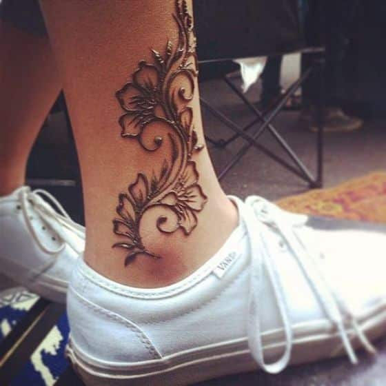 lindo diseño de henna tatuajes