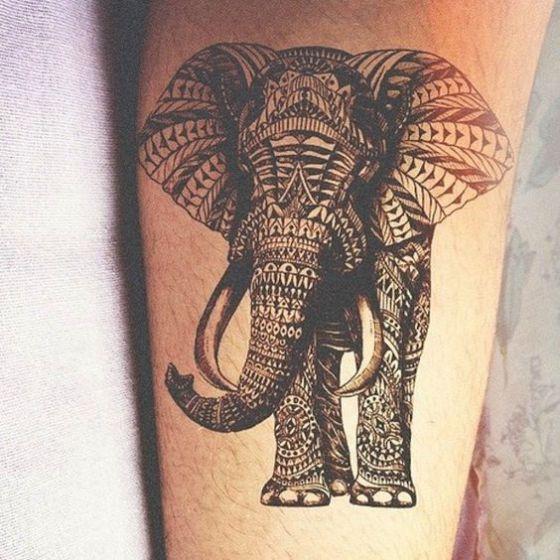 tatuaje elefante diseño tribal