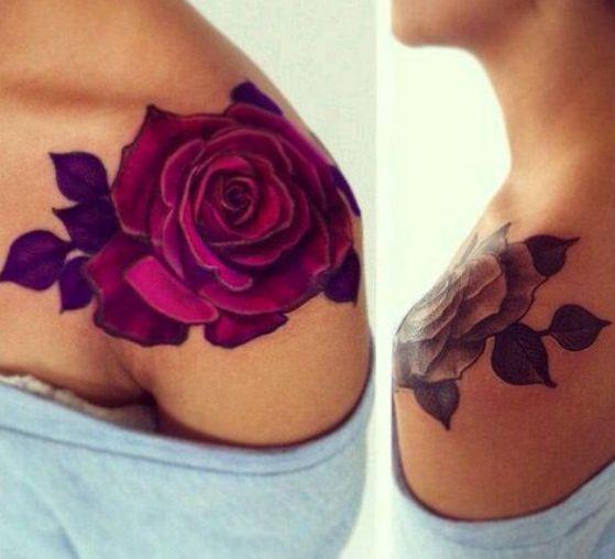 rosas a color en el hombro