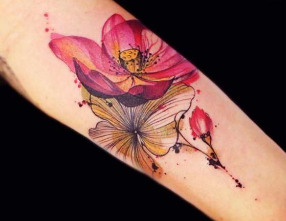 tatuaje-de-flores-en-brazo