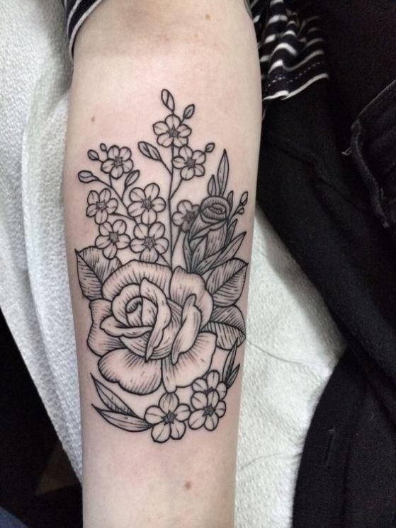 tatuaje-de-rosa-en-el-brazo