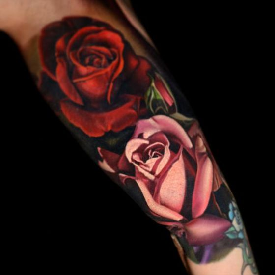 tatuaje realista en el brazo