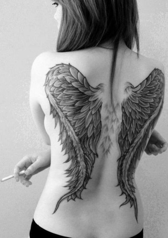 Alas tattoo 3 - Tatuajes de alas diferentes estilos a color, en negro y sus significados