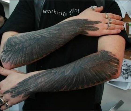 Tatuajes de alas 7 - Tatuajes de alas diferentes estilos a color, en negro y sus significados