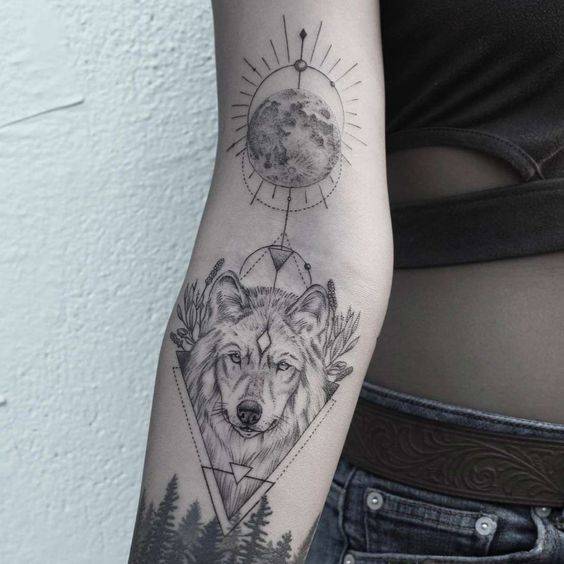 Tatuajes De Luna Y Lobo (3)