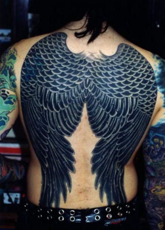 tattoos con alas 3 - Tatuajes de alas diferentes estilos a color, en negro y sus significados