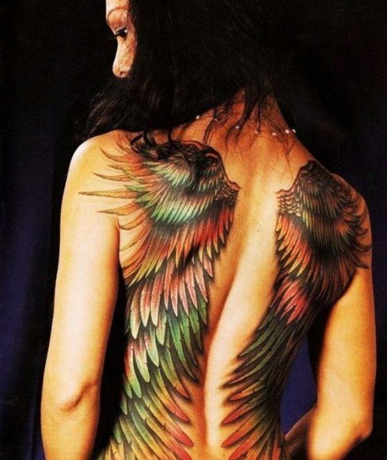 tattoos con alas 5 - Tatuajes de alas diferentes estilos a color, en negro y sus significados