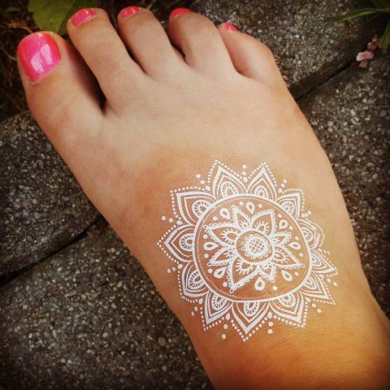 tatuajes-blancos-pequenos-1