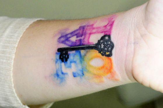 tatuajes-de-amor-a-color-2