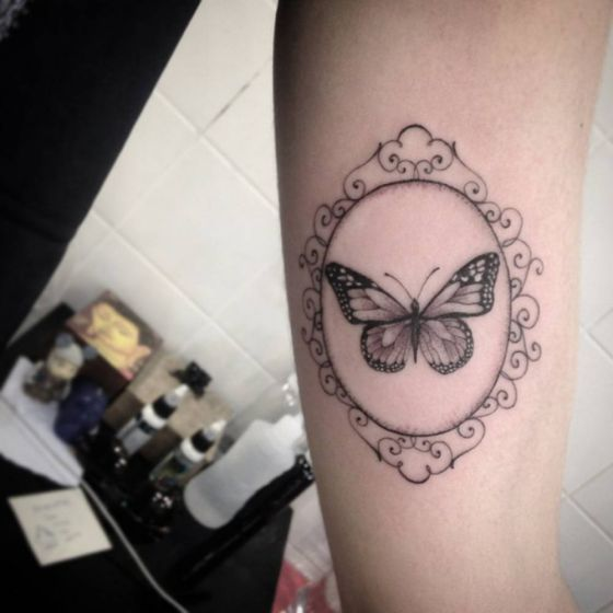tatuajes-de-mariposas-blanco-y-negro-4