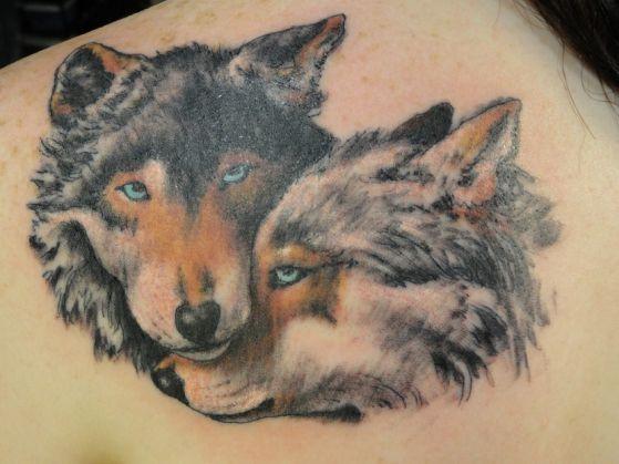 tatuaje de lobo pareja