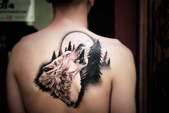 tatuaje-realismo-lobo-luna-paisaje-jose-victor-la-mano-zurda-madrid