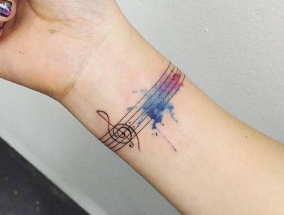 tatuajes-de-brazalete-a-color-1
