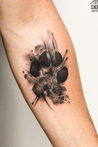 tatuaje de lobo huella
