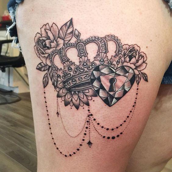 Tatuajes corona mujeres