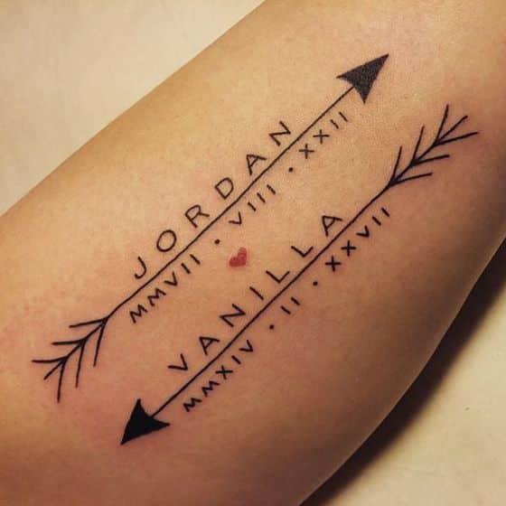 Tatuaje con nombres y letras