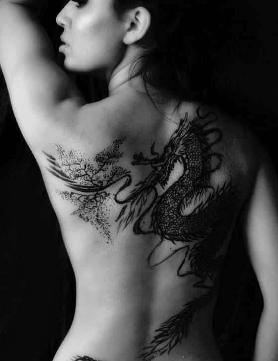 dragon tattoo women - + 40 diseños de tatuajes de dragones con sus diferentes significados