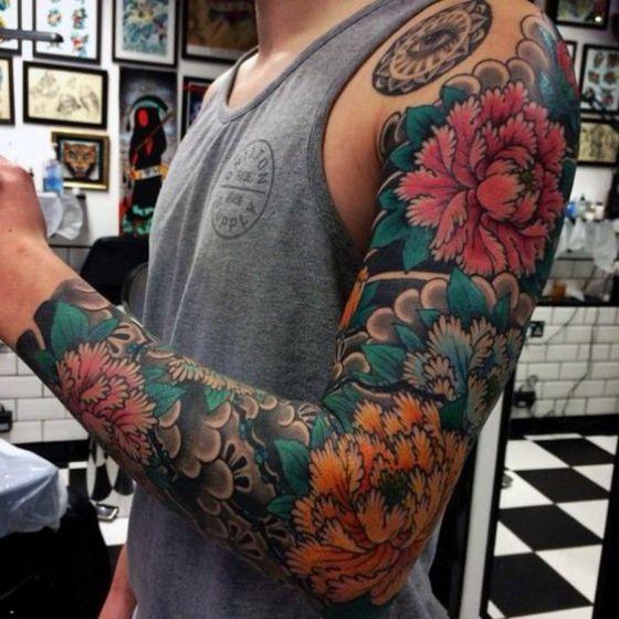 flores tattoo para hombres