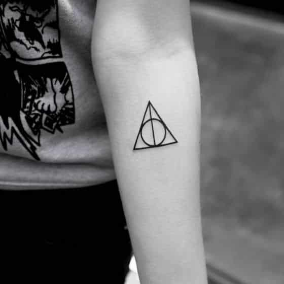harry potter simbolo tatuaje