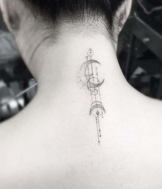 luna tattoo cuello