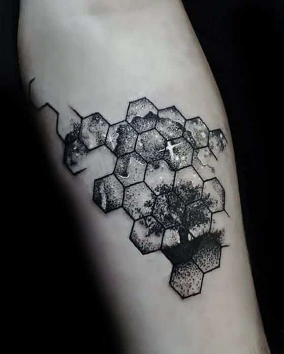rompecabezas tatuaje en antebrazo