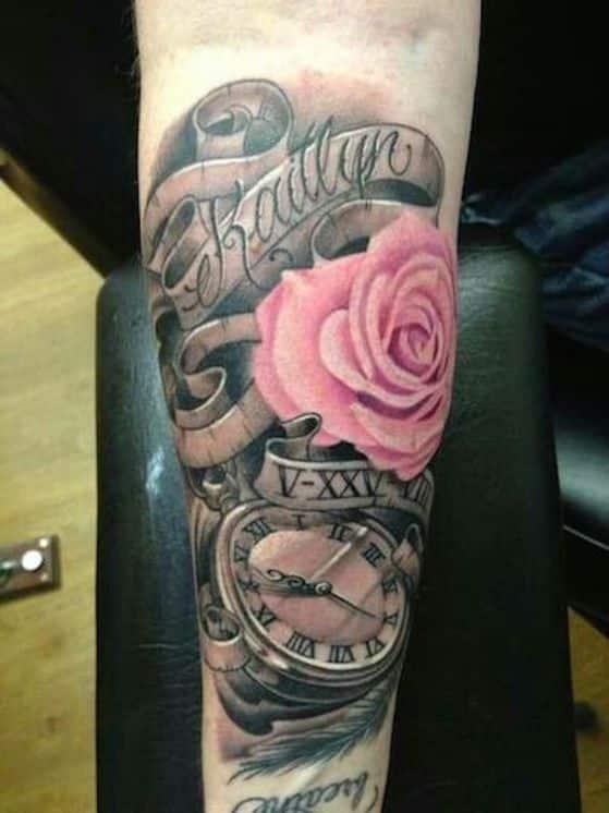 rosas y nombres para tatuaje