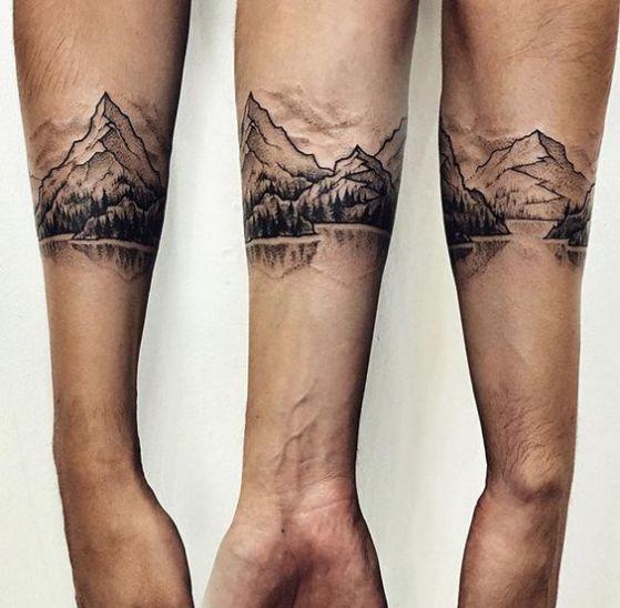tattoo alrededor del antebrazo