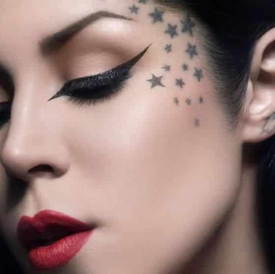 tatuadora famosa tatuaje en la cara