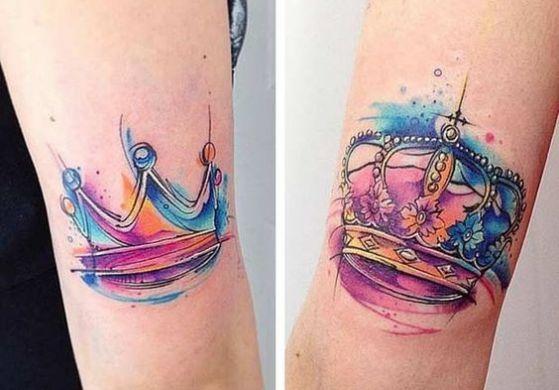 tatuajes a color de coronas para parejas
