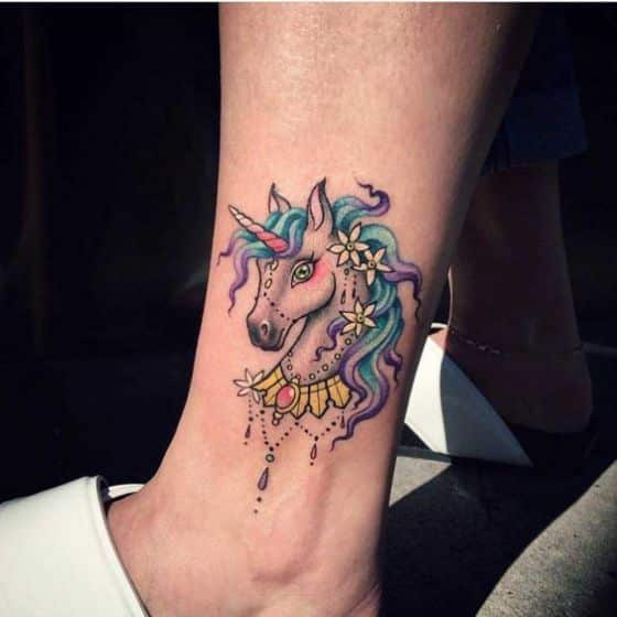 unicornios tattoo tobillo