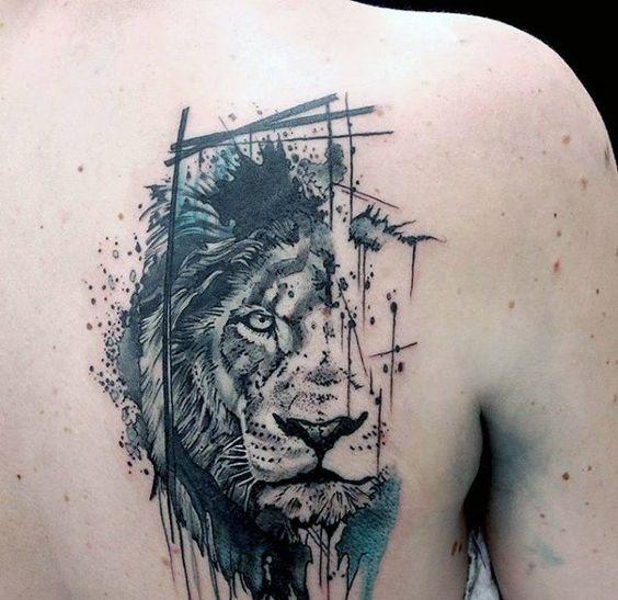 espalda leon tatoo