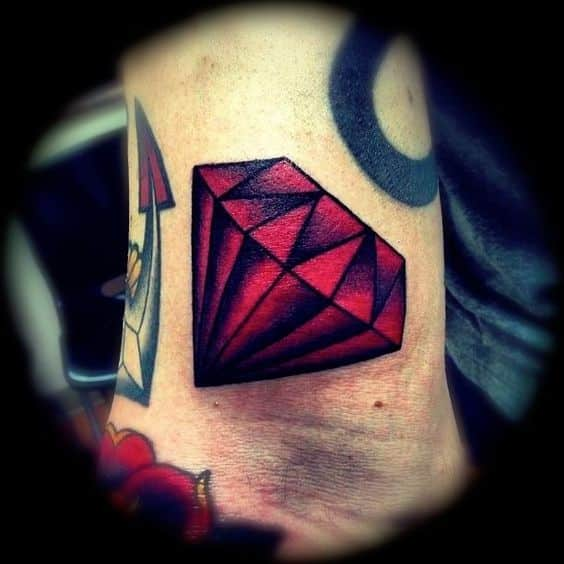 hombres diamante tatuaje