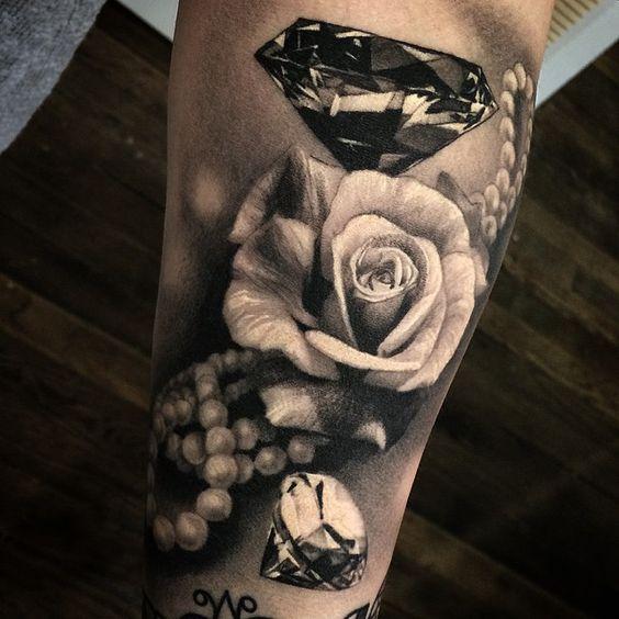 tatuajes de diamantes sus significados y diferentes combinaciones. Black Bedroom Furniture Sets. Home Design Ideas