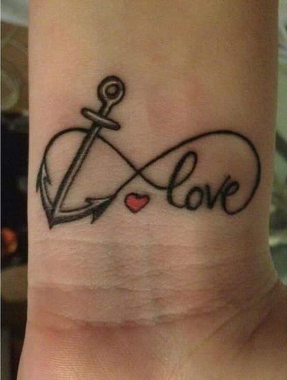 ancla e infinito tatuados