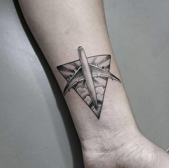 aviones con nubes tatuadas