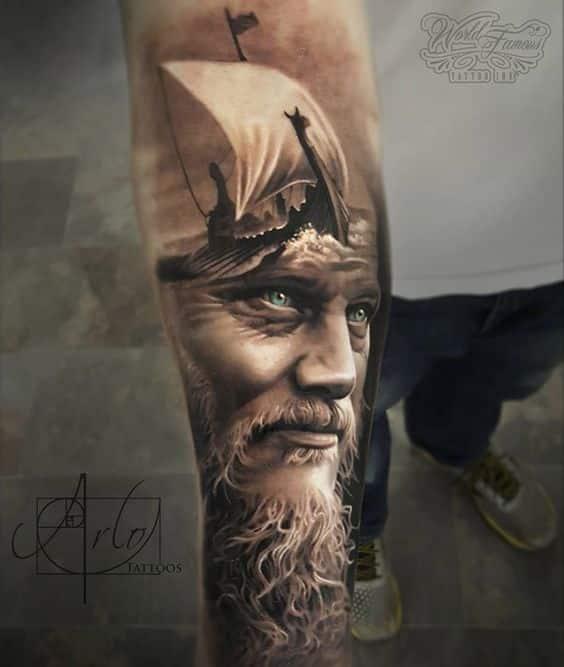 barco vikingo tatuado