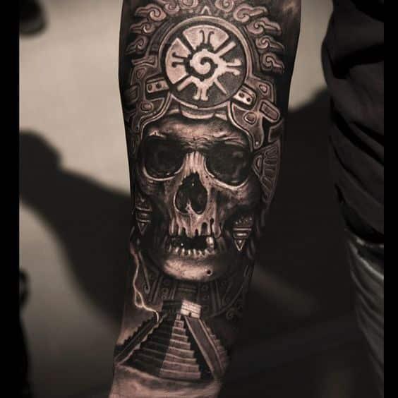 calavera maya tatuada