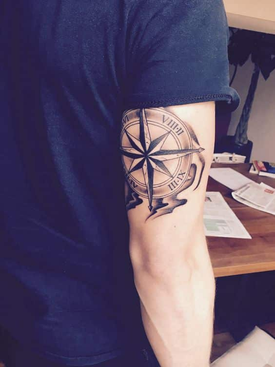 eje cardinal tatuado