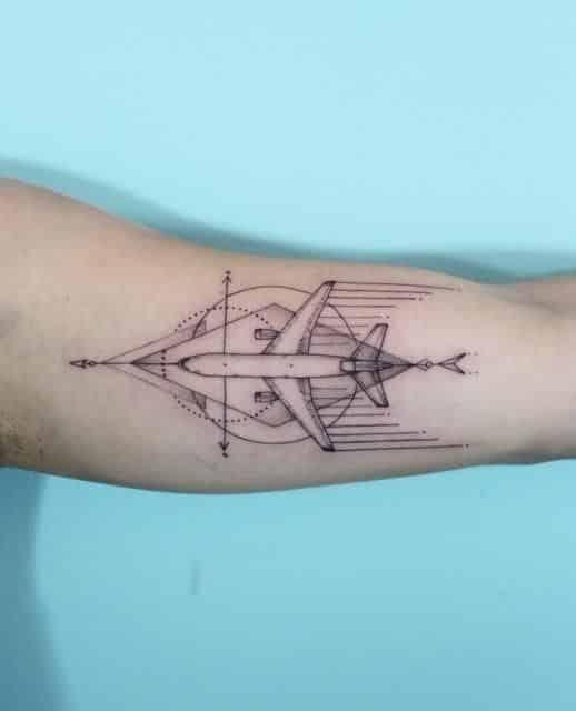 hombres tatuaje de avion