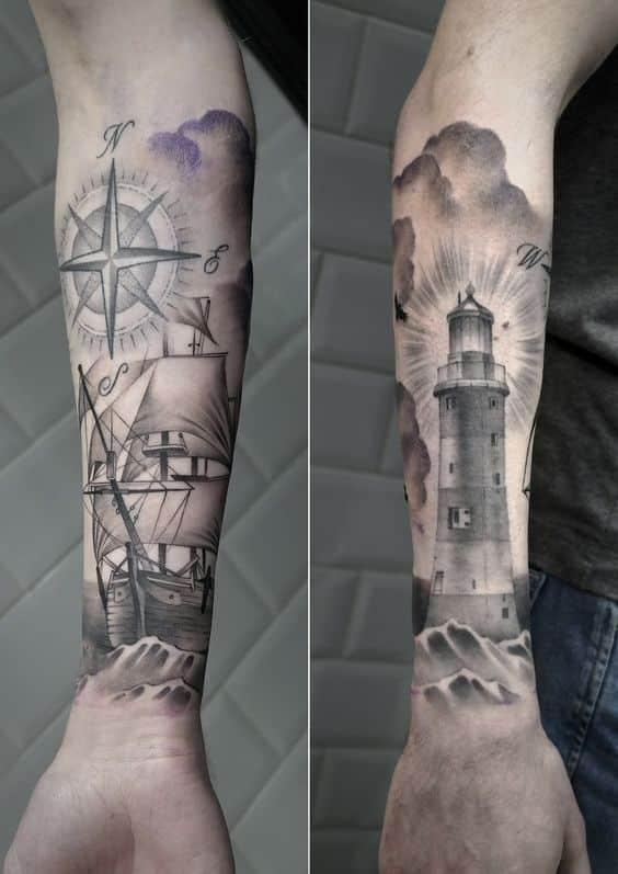 tatuaje de barco alrededor del brazo