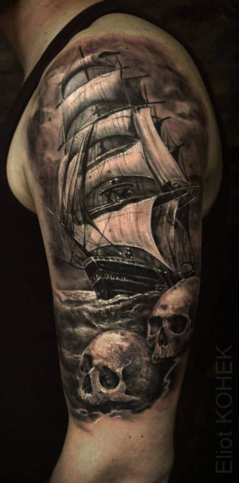 tatuaje de barco estilo realista