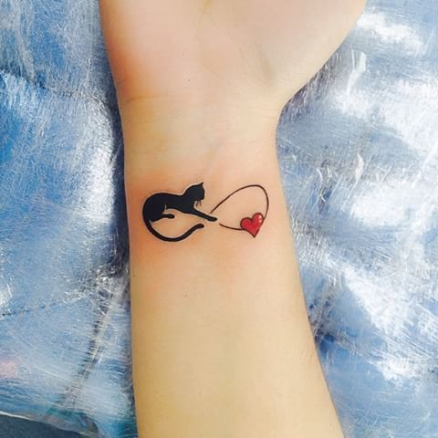 tatuaje infinitp gato